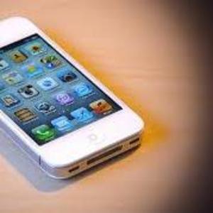 Продам айфон 4S белый