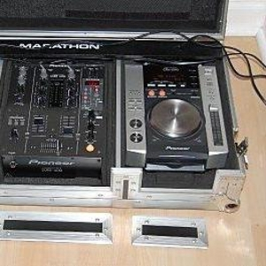 Pioneer CDJ-200 Professional Multi-Media and CD/MP3 Player